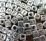 Бусины акрил. алфавит золото/сереброУТ0000024 1 г